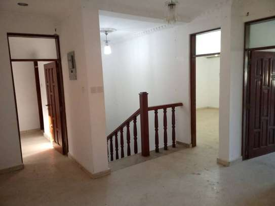 4 bed room all ensuite for rent house at avocado near tripple seven image 6