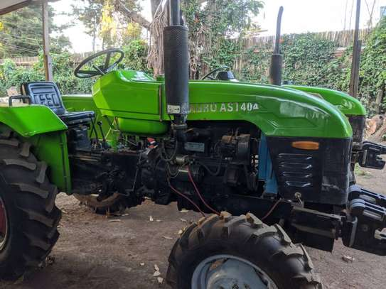 Tractors 4WD 30HP - New Tractor Loader and Hoe image 11