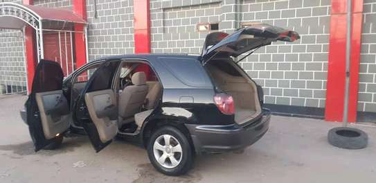 2001 Toyota Harrier image 9