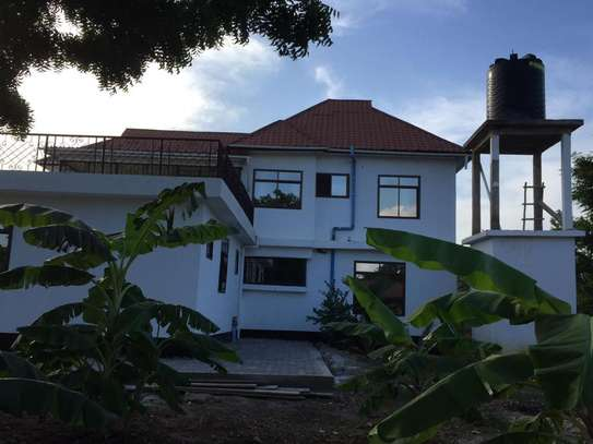 6 Bedrooms House in Baracuda Beach image 2