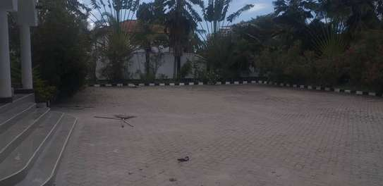 5 bed room house for rent at mikocheni image 3