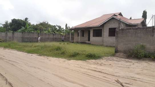 3 bed room house for sale self container at ununio image 6
