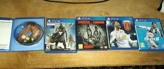 Ps4,Ps3 and Xbox CD Sale image 5