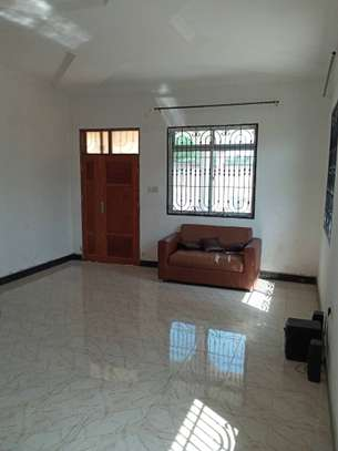 3 bed room house for rent at boko image 2