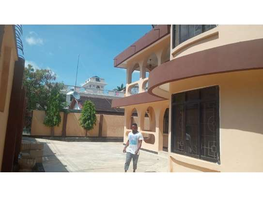 6bed house for sale at msasani image 12