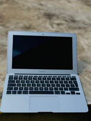MacBook Air 2012 image 6