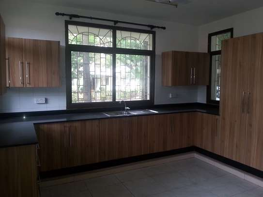 4 Bedrooms Villa In A Leafy Compound In Masaki For Rent image 3