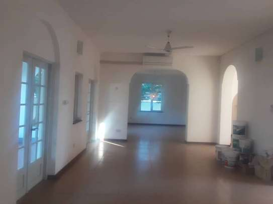 4 bed room house for rent at oyster bay image 9
