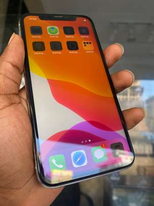 iPhone X 64GB Silver for sale image 5