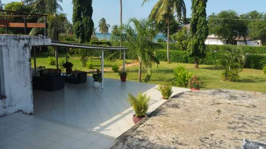 5 Bdrm House  at Jangani beach image 5