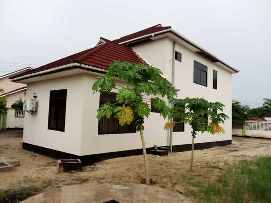 5 bed room house for sale at boko image 5