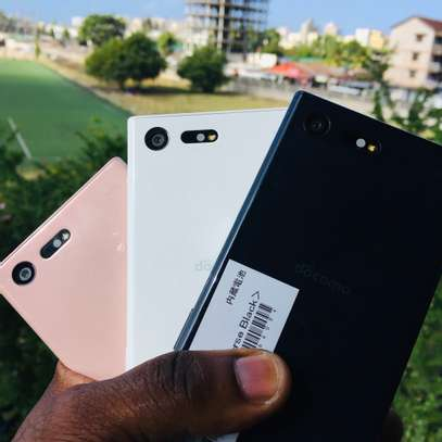 SONY XPERIA X COMPACT image 1