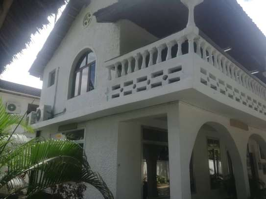 800sqm area of 4bed house for sale located at mikocheni image 7