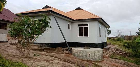 3 bed room house for sale 60ml at kigamboni tuangoma plot areas sqm 1600 image 4