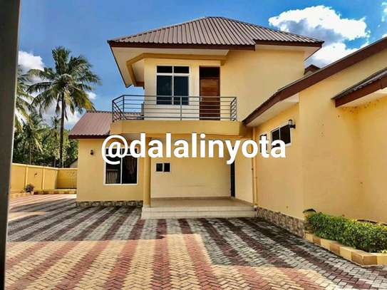 4 BDRM HOUSE AT MBEZI BEACH AFRIKANA MBEZI YA CHINI image 6