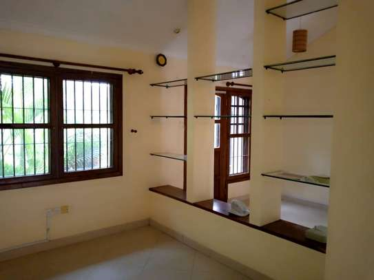 3 bed room big house stand alone for rent at oyster bay image 3