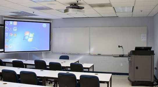Manual Projector Screen - 150 Inches image 8