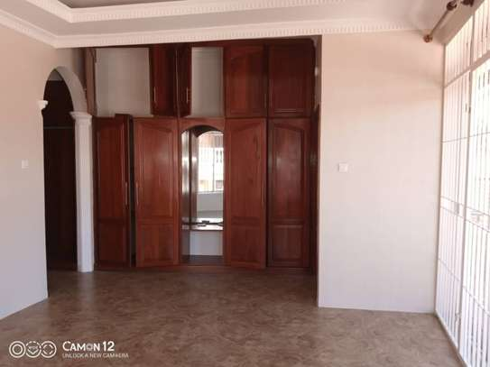 2 beautiful villah for Rent at Oysterbay with 3bedroom each, swimming pool for only usd 4000 image 14
