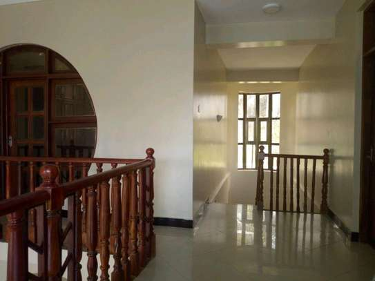 5 bedroom house in Goba close to Goba road. image 10