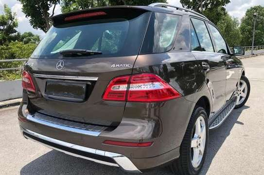 2014 Mercedes-Benz ML400 4MATIC USD 22,000/= UP TO DAR PORT TSHS 88.9MILLION ON THE ROAD image 5