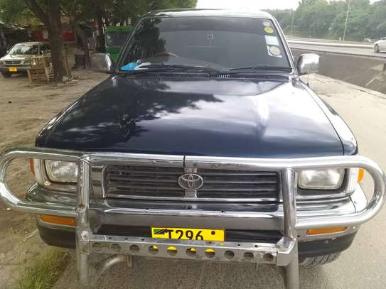 2000 Toyota Hilux Double Cabin image 4