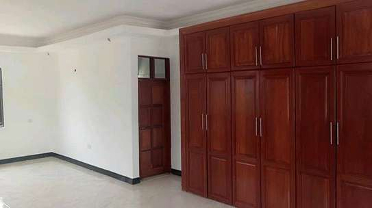 4 BEDROOM HOUSE (MBWENI DAR ES SALAAM) image 4