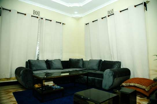 Stylish and cozy 3 bedroom apartment in Arusha image 11