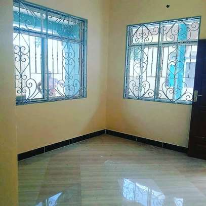 GREAT LOCATION STANDALONE HOUSE ON SALE AT LOW PRICE, BUY AND MOVE-IN image 2