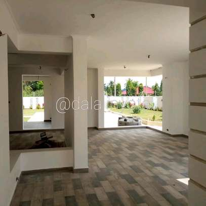 4 BDRM HOUSE AT BAHARI BEACH image 7
