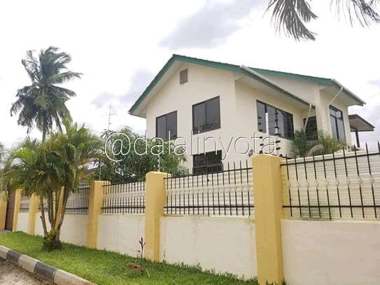 NICE HOUSE FOR RENT STAND ALONE image 10