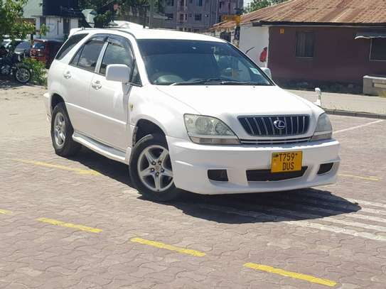 2003 Toyota Harrier image 2