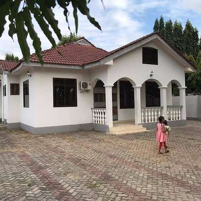 3BEDROOMS FOR RENT AT MBEZI BEACH
