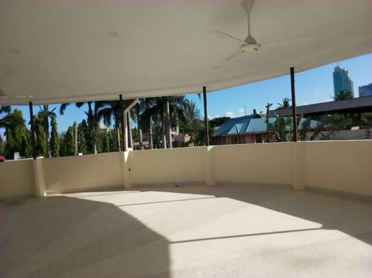 8bed houe at mikocheni $2000pm i deal for office image 2