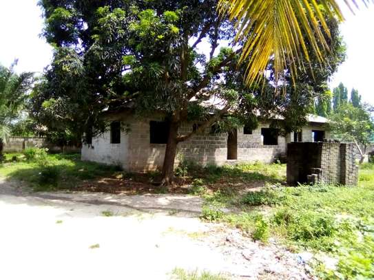 4 bdrms Semi-finished House in a 3000 SQM Plot at Pugu/KigogoFresh image 4
