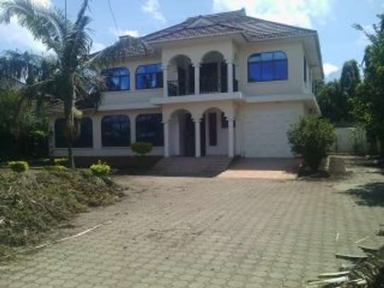 4BEDR. HOUSE FOR RENT AT NJIRO ARUSHA PPF image 1