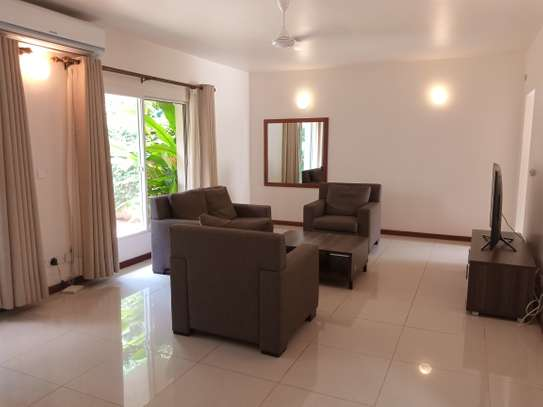 4bdrm luxury villa to let in oster bay image 3