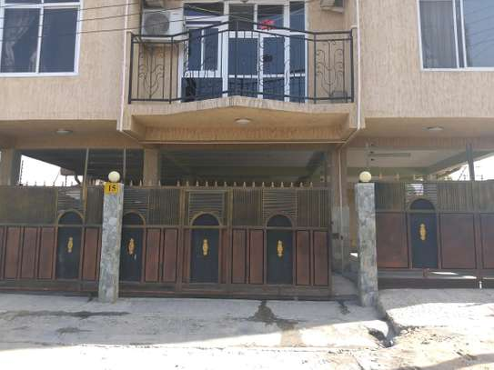 3BEDROOMS APARTMENT 4RENT TSHS1000000 image 6