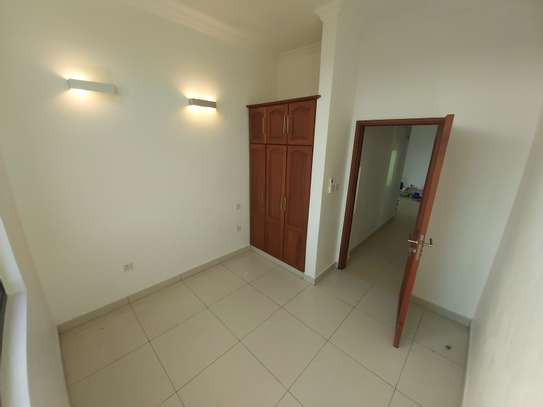 3 bedrooms apartment at victoria place image 7