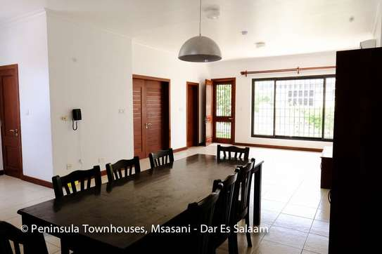 3 Bedrooms Townhouse With Sea View in Msasani image 8