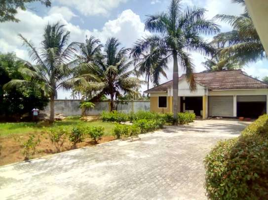 5 bed room house for sale at chanika image 8
