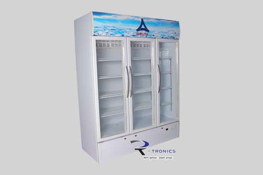 SHOWCASE 3 DOORS 980L WITH DIGITAL TEMP. DISPLAY