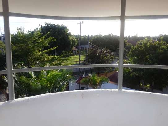 4 bed room house for rent at oyster bay image 5