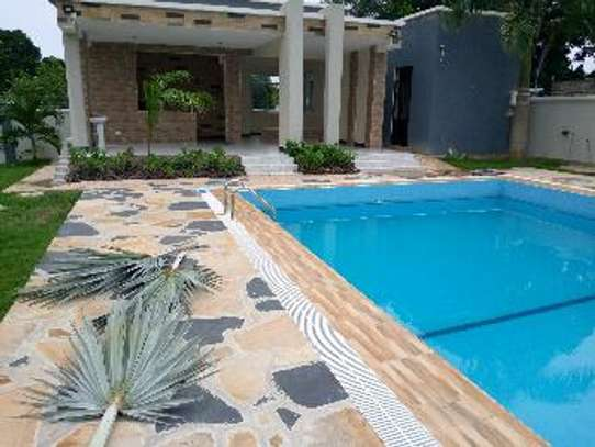 5 Bdrm Executive New Bungalow House Sqm 3500. in Mbezi Beach image 12