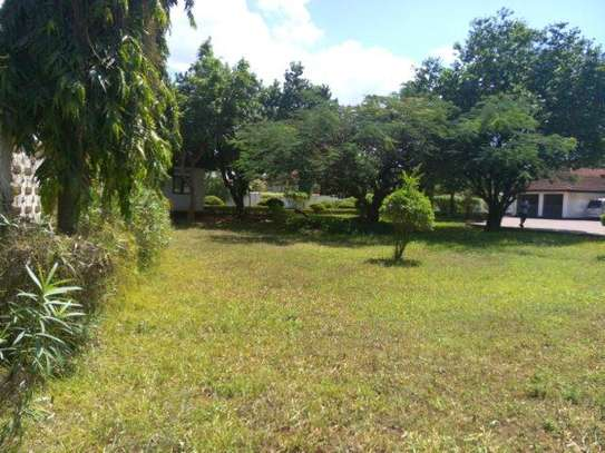 4bed house  with helcopter ground at masaki $5000pmnear IST image 12