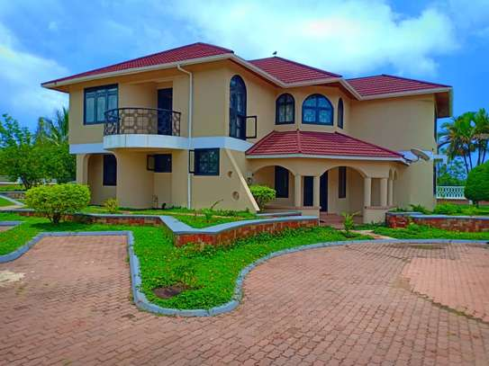 5BEDROOMS FOR RENT IN MWANZA AIRPORT