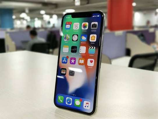 iPhone X 64GB (3 months warranty remaining)