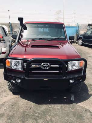 2013 Toyota Land Cruiser Pickup