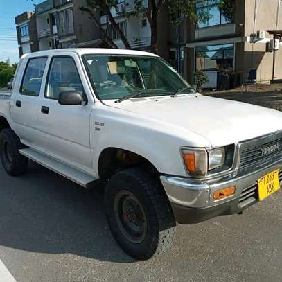 1996 Toyota Hilux image 4