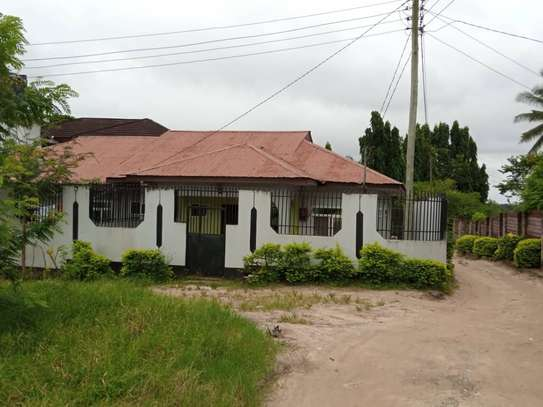 3 bed room house for rent at kimara temboni jjz image 1