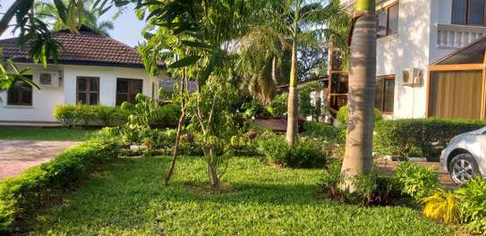 5BEDROOMS STANDALONE HOUSE 4RENT AT KAWE BEACH image 4